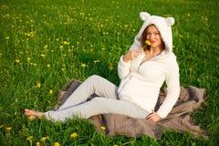 женщина костюма красивейшей смешной овечки супоросая Стоковые Изображения RF