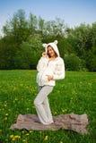 женщина костюма красивейшей смешной овечки супоросая Стоковые Фотографии RF