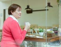 женщина кофе кафа выпивая Стоковое Изображение
