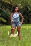 женщина красивейшего поля 2 корзин травянистая Стоковая Фотография