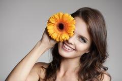 женщина красивейшего цветка сь стоковые изображения rf