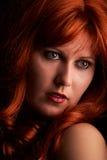 женщина красного цвета волос Стоковые Фотографии RF