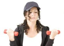 женщина красного цвета гантелей Стоковая Фотография RF