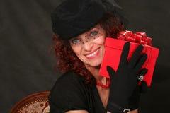 женщина красного цвета подарка Стоковые Изображения RF