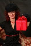 женщина красного цвета подарка Стоковые Фото