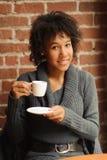 Женщина красоты в кафе Стоковые Фотографии RF