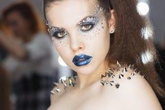 Женщина красоты зимы Состав праздника стоковые изображения rf