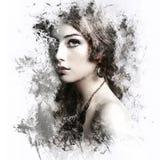 Женщина красоты с длинным вьющиеся волосы Стоковое фото RF
