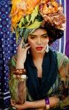 Женщина красоты яркая с творческим составляет, много Стоковая Фотография RF