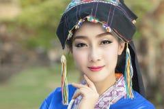 Женщина Лаоса, красивая девушка Лаоса в костюме Стоковое фото RF
