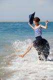 женщина лета дня пляжа отдыхая Стоковое фото RF