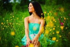 женщина лета цветка поля Стоковое фото RF