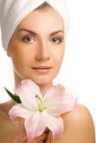женщина лилии розовая стоковые изображения