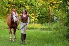 женщина лошади стоковая фотография rf