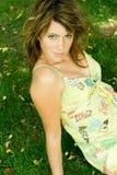 женщина лужка Стоковое Фото