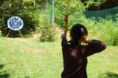 женщина лучника стоковое изображение rf