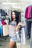 женщина магазина одежды стоковые фотографии rf