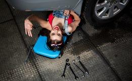 Женщина механика автомобиля Стоковые Изображения