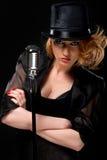женщина микрофона ретро Стоковая Фотография RF