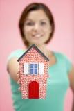 женщина модели дома удерживания Стоковая Фотография
