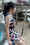 Женщина моды азиатская на портрете пляжа Стоковое фото RF