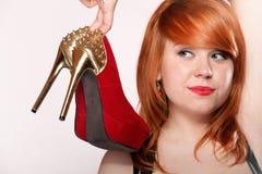 Женщина моды с красными ботинками высокой пятки Стоковое фото RF