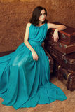 Женщина моды с чемоданами Стоковая Фотография RF