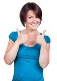 Женщина настолько счастлива и усмехается яркий Стоковые Фото