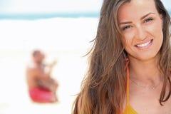 Женщина на пляже Стоковая Фотография RF