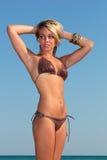 Женщина на пляже стоковые фото