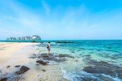 Женщина на пляже Стоковое Изображение RF