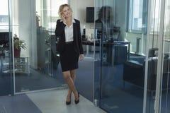 Женщина на работе Стоковые Изображения RF