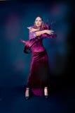 Женщина нося как танцы вампира halloween Стоковая Фотография