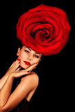 Женщина нося флористический шлем Стоковые Изображения