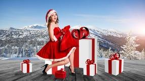 Женщина нося costume Santa Claus Стоковая Фотография