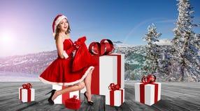 Женщина нося costume Santa Claus Стоковая Фотография RF