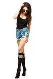 Женщина довольно молодой сексуальной моды чувственная представляя дальше Стоковое фото RF