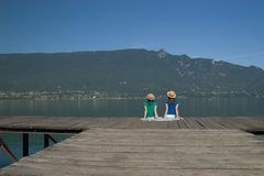 женщина озера края Стоковая Фотография RF