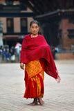 Женщина от Непала в традиционных одеждах Стоковые Фотографии RF