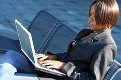 женщина офиса афроамериканца Стоковая Фотография