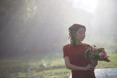 женщина парка осени красивейшая Стоковые Фото