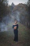 женщина парка осени милая Стоковые Фотографии RF