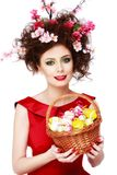 Женщина пасхи Девушка весны с стилем причёсок моды Портрет  Стоковая Фотография RF