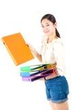 Женщина перегружала коммерсантку держа множество isola документов стоковая фотография rf
