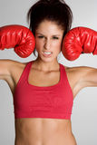 женщина перчаток пригодности бокса Стоковая Фотография RF