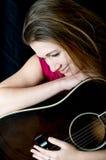 Женщина песенника гитариста певицы Стоковые Фото