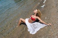 женщина пляжа сексуальная Стоковые Изображения