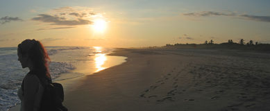 женщина пляжа тропическая Стоковые Изображения