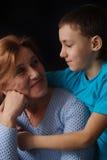 женщина пожилых людей мальчика Стоковое Изображение