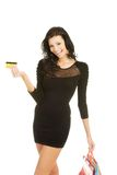 женщина покупкы кредита карточки мешков Стоковое Фото